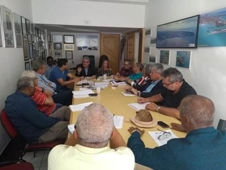 Portuários decidem entrar em estado de greve